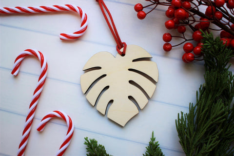 Monstera Ornament