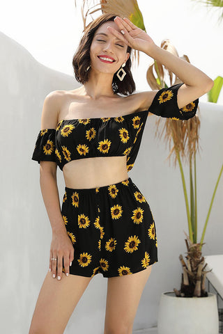 products/Black-Off-the-shoulder-Cropped-Two-Piece-Set--_3.jpg