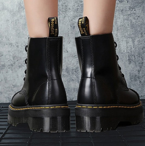 products / BlackPlatformZipperShortBoots_2.jpg