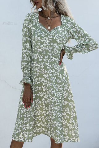 products/DitsyFloralEmpireLongSleeveDress_2.jpg
