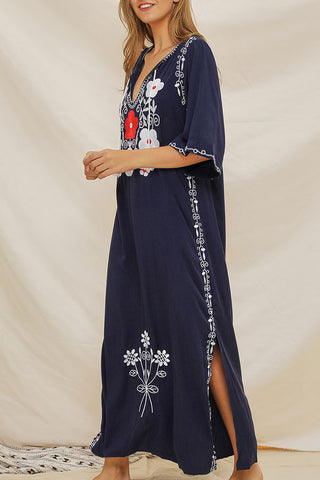 produits / Embroidered_Tassel_Slit_Dress_3.jpg