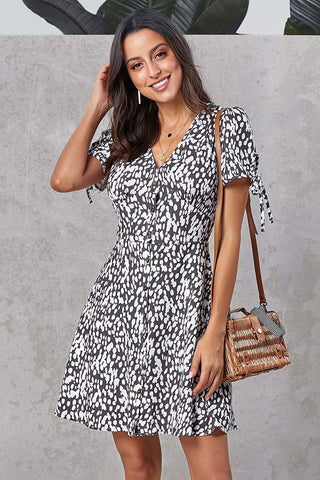 products/Floral-V-neck-Knot-Shoulder-Single-Breasted-Dress.jpg