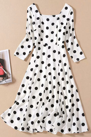 products / KateMiddleton_sSquarePolkaDotPrintDress_2.jpg