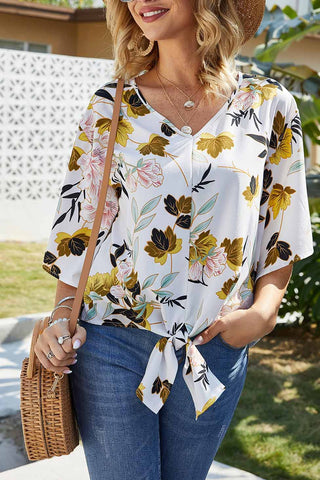 products/LooseFloralKnotHemChiffonBlouse_1.jpg