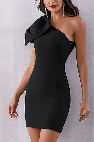 One Shoulder Bowknot Shoulder Bandage Dress