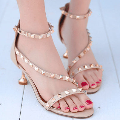products / Open-toeLowHeelsSandalsShoesWithRivets_1.jpg