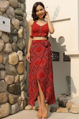 Produkte / Red-Square-Printed-Knot-Front-Asymmetrical-Empire-Rock-_3.jpg