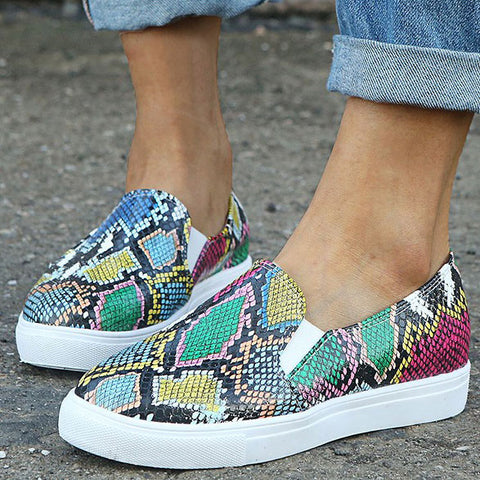 products/SnakeskinPrintDecorTexturedFlatSneakers_2.jpg