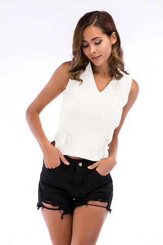 Produkte / Strappy-V-Neck-Knit-Crop-Top-_3.jpg