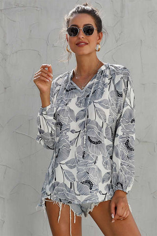 products / V-Neck-Drawstring-Printed-Bluse-_3.jpg