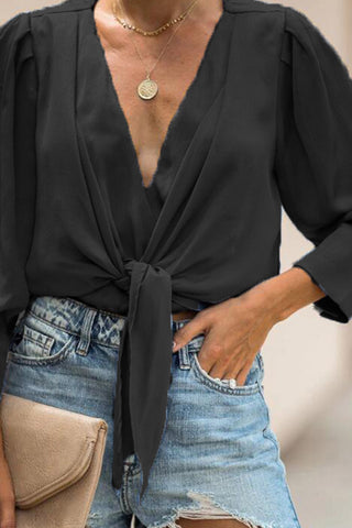 products / V-neck_Lantern_Sleeve_Knotted_Blouse_4.jpg