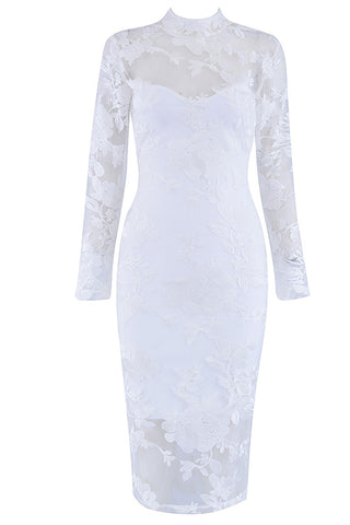 produits / White-Applique-Prom-Dress-With-Long-Sleeves.jpg