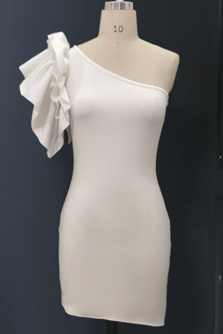 products/White-One-shoulder-Rullfed-Cocktail-Dress_e3378430-9e1d-4be5-96d3-096e8b76e318.jpg