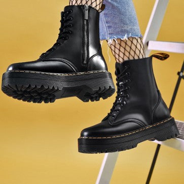 produits / black_round_toe_platform_combat_boots_side_with_zipper_2.jpg