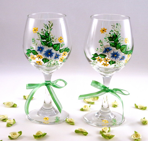 Create your own DIY Wine glass paintings