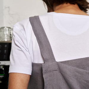 cross-back linen apron KOHV pale pink / steel gray