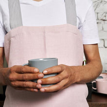 Load image into Gallery viewer, cross-back linen apron SUHKUR pink / light gray