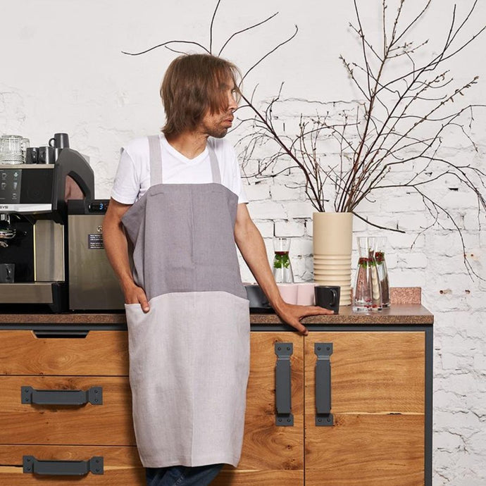 cross-back linen apron SUHKUR steel gray / light gray