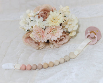 The Aurora Pacifier Clip - Peaches & Cream