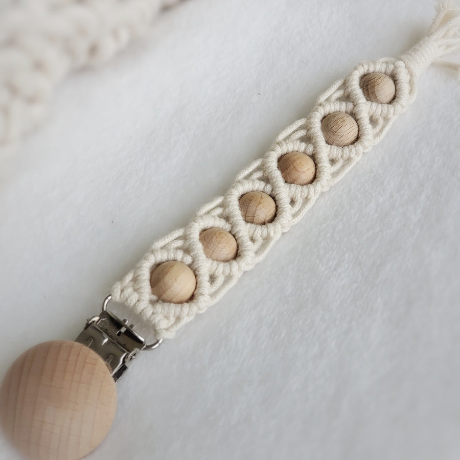 Macrame all Natural Cotton & Beechwood Pacifier Clip