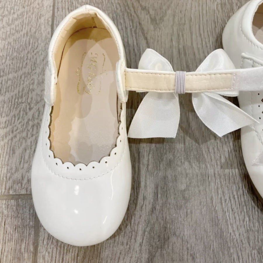 Baby's Beautiful Luxury Satin Bow Shoes - Pretty White