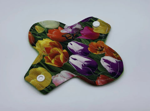 "6"" Tulip Light Absorbency Cloth Pad"