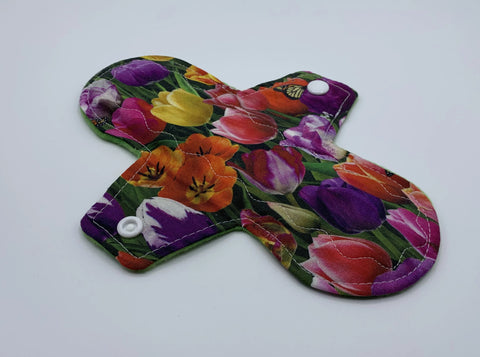 "8"" Tulip Moderate Absorbency Cloth Pad"