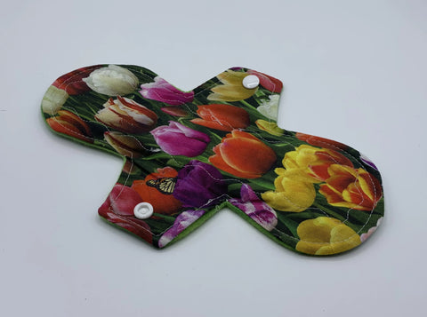 "9"" Tulip Moderate Absorbency Cloth Pad"