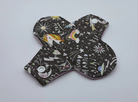 "6"" Unicorn Light Absorbency Cloth Pad"
