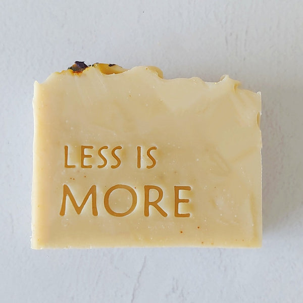 Less is more - חותמת