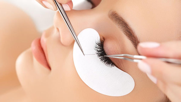 Online Eyelash Extensions Course