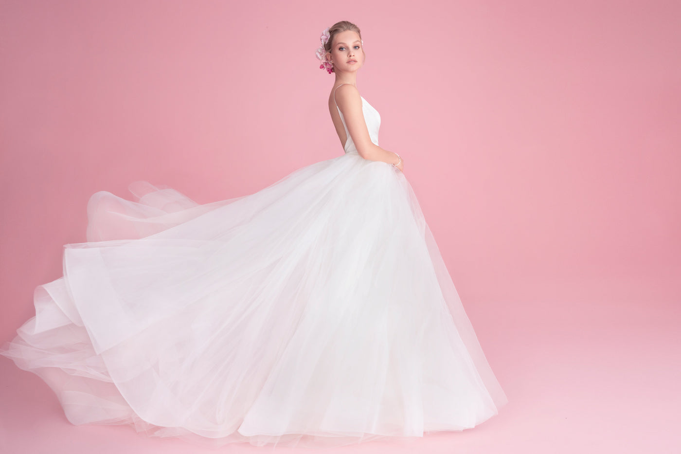 THE ULTIMATE GUIDE FOR BUYING YOUR WEDDING DRESS ONLINE