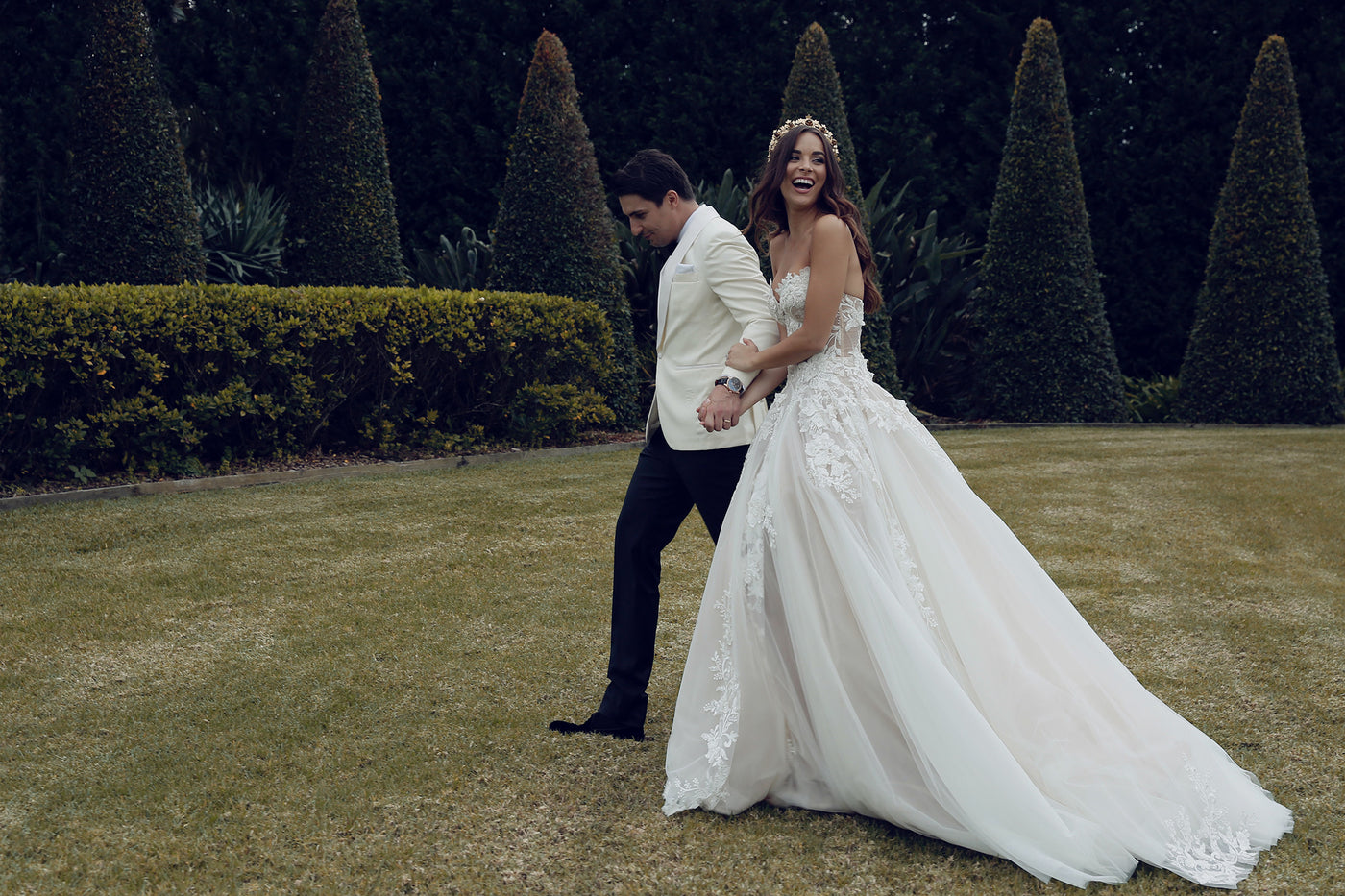 FROM THE RUNWAY TO THE AISLE : MONIKA RADULOVIC'S MODERN ROMANCE
