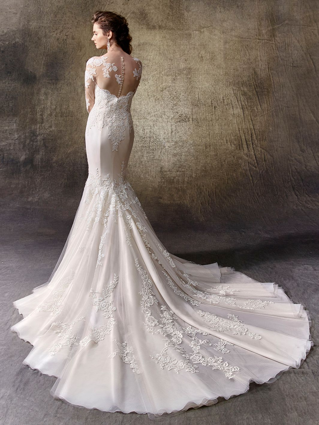 Lindy - Sample Gown, Online Sample Sale, Enzoani - Sample Gown - Eternal Bridal