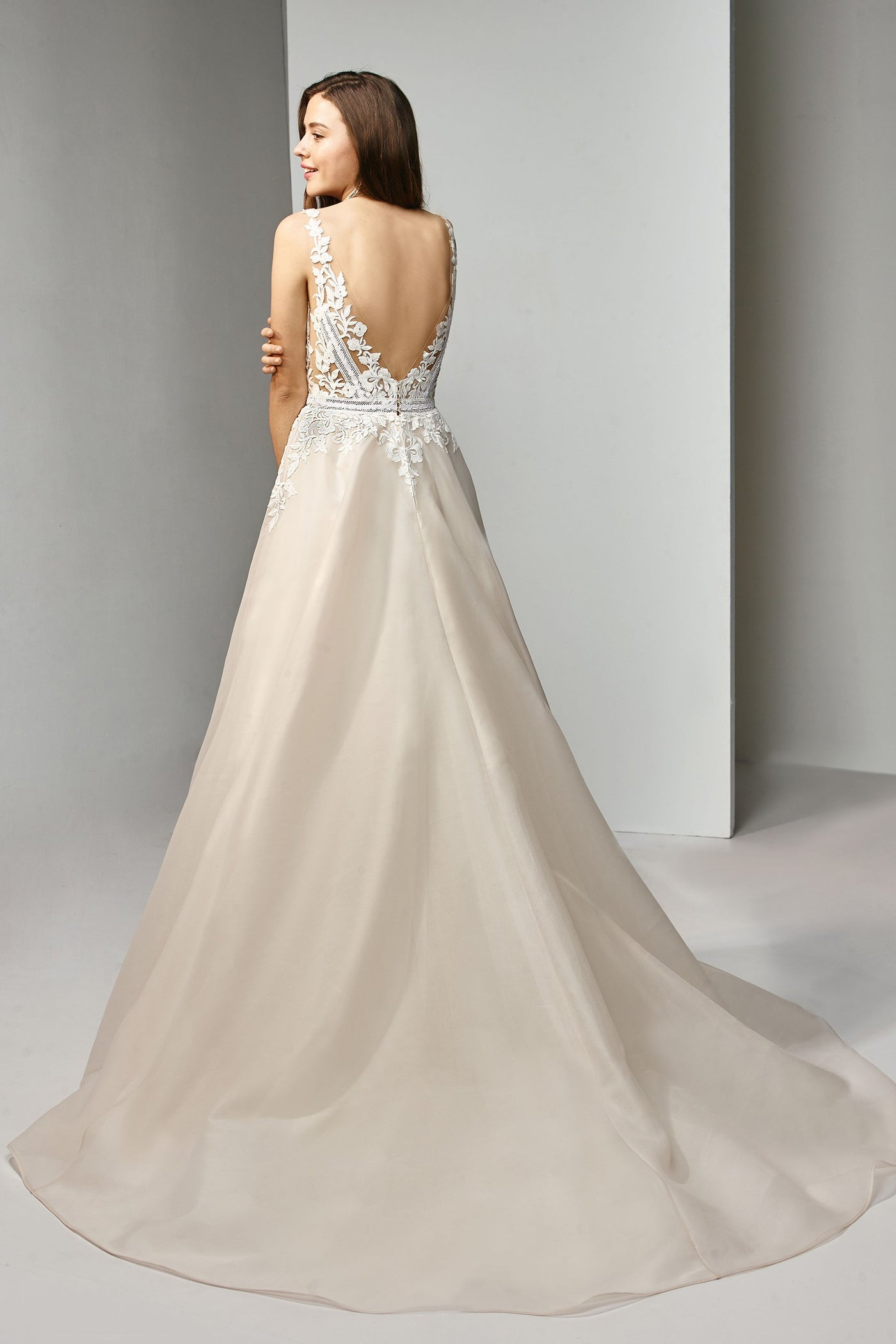 Willa - Sample Gown, Online Sample Sale - 1800, Beautiful by Enzoani - Sample Gown - Eternal Bridal