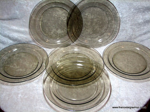 Arcoroc Set of 6 Large glass Plates. (ref nos051)