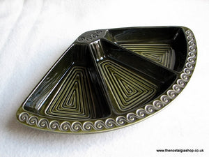 Retro Olive Green Serving Dish 1970's. (ref Nos030)