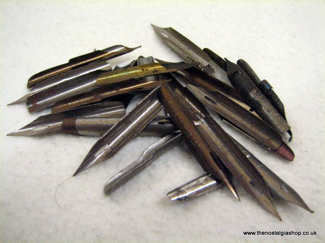 Fountain Pen Nibs x 24, Vintage. (ref nos096)