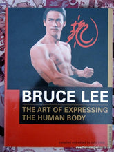 Load image into Gallery viewer, Bruce Lee, The Art of Expressing The Human Body. Book. (ref B130)
