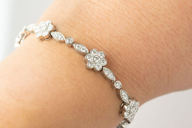 Diamond Flower Bracelet | Platinum