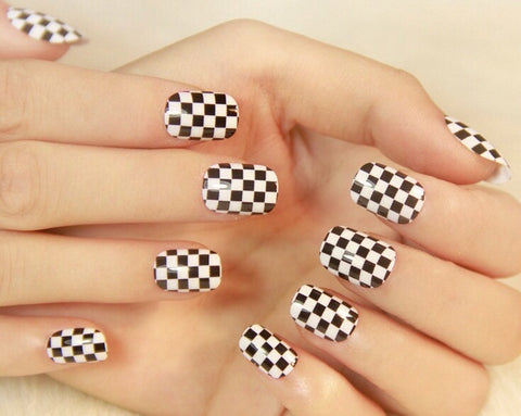Checkered False Nails