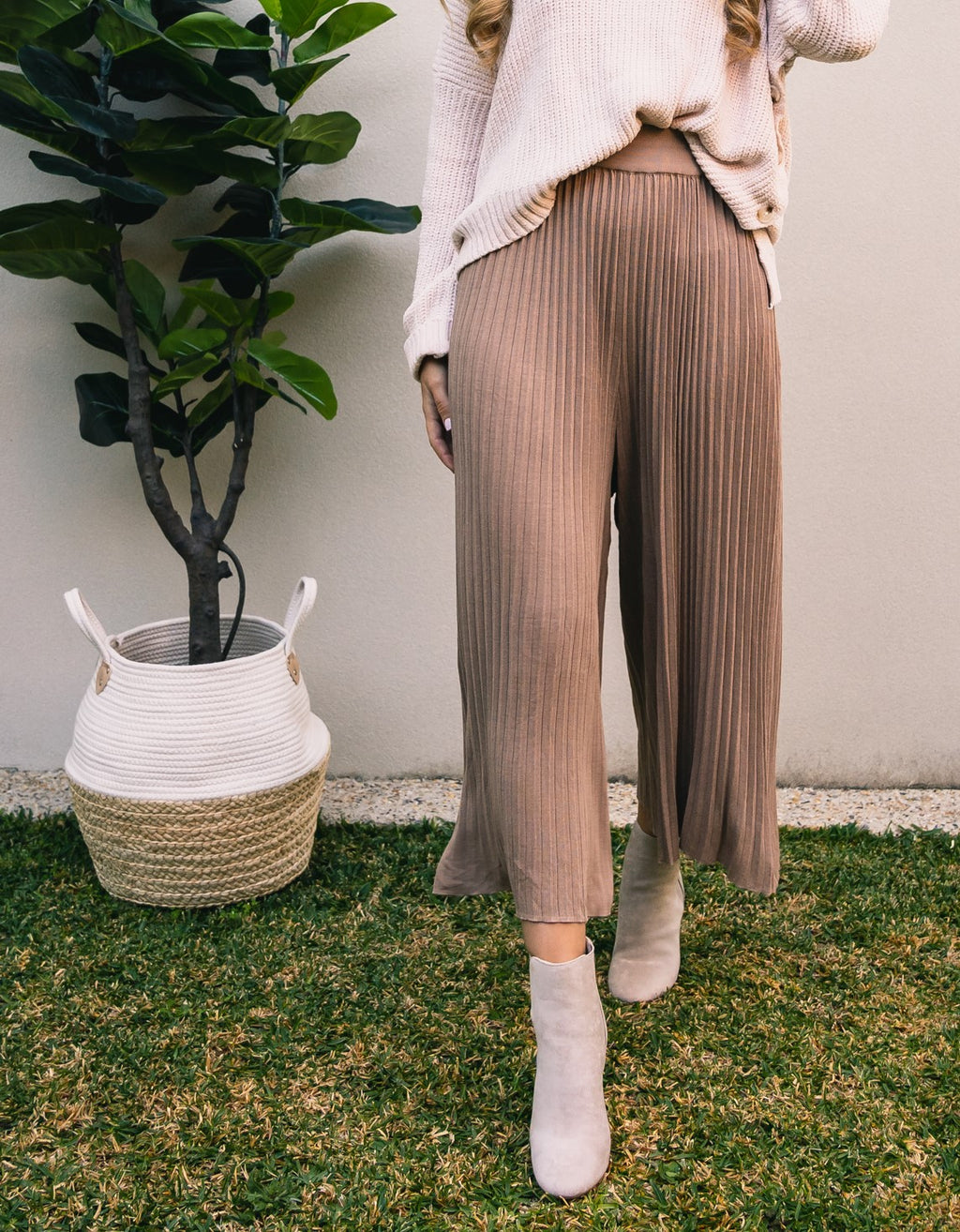 Sara Pleated Knit Culottes