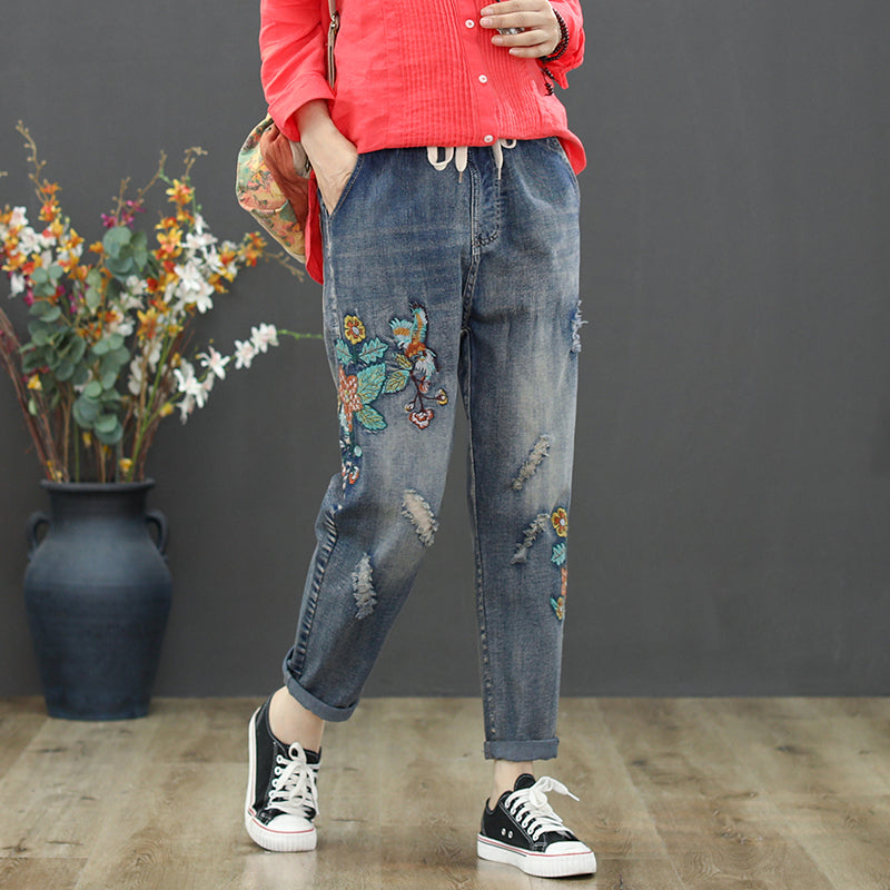 Fashion Women Jeans Blue Floral Embroidery Harem Pants Washed Denim Pants Female Spring Summer Loose Casual Ripped Holes Jeans