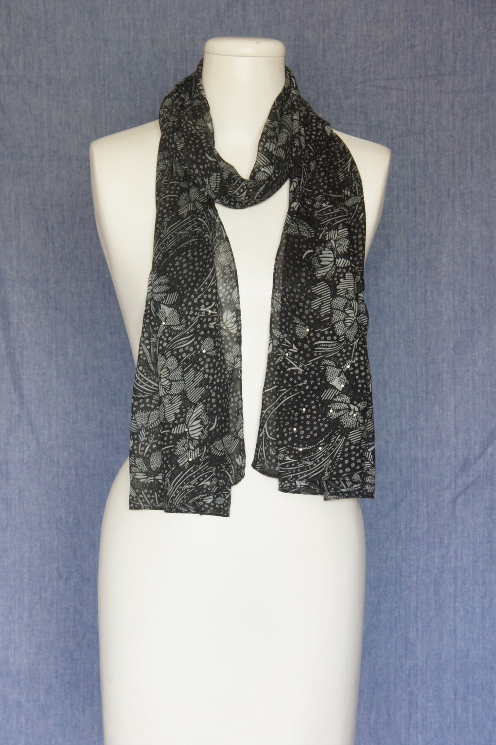 Flowers with Irregular Dots Scarf with Studs Embroidery (SE-1597)