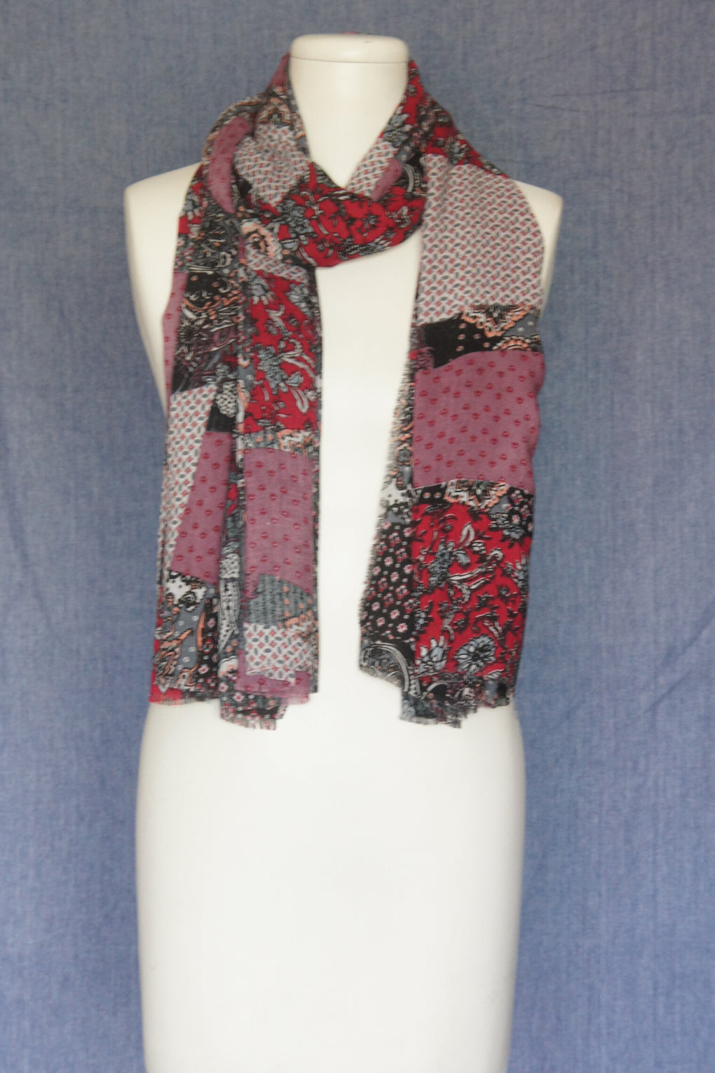 Patch Scarf (SE-1601)