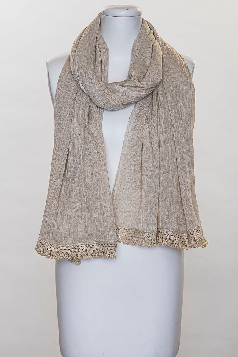 Lace detailed scarf
