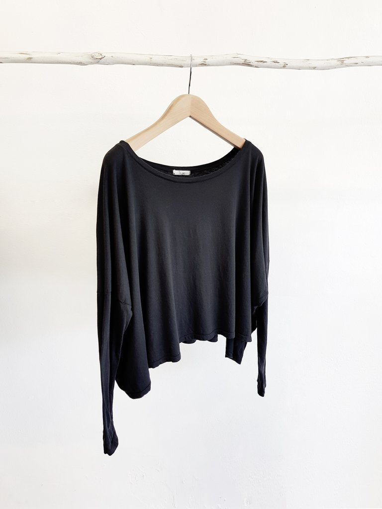 ORGANIC COTTON OVERSIZED TOP - black