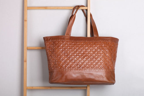 XL LEATHER TOTE - WALNUT