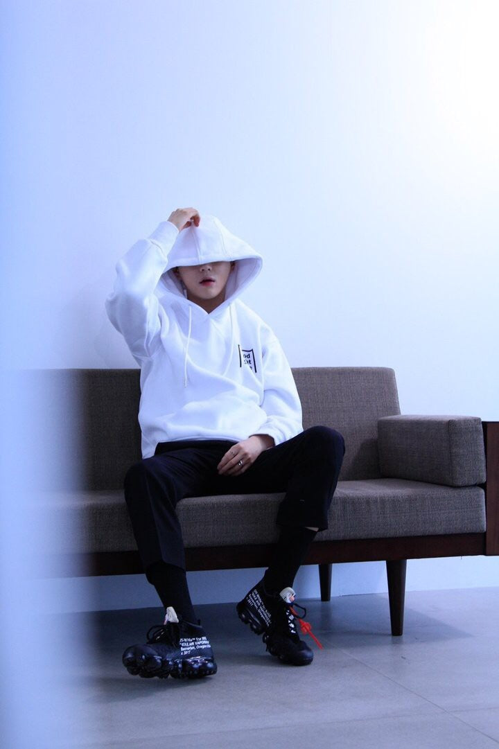 GN002 good night 5tore hoodie white