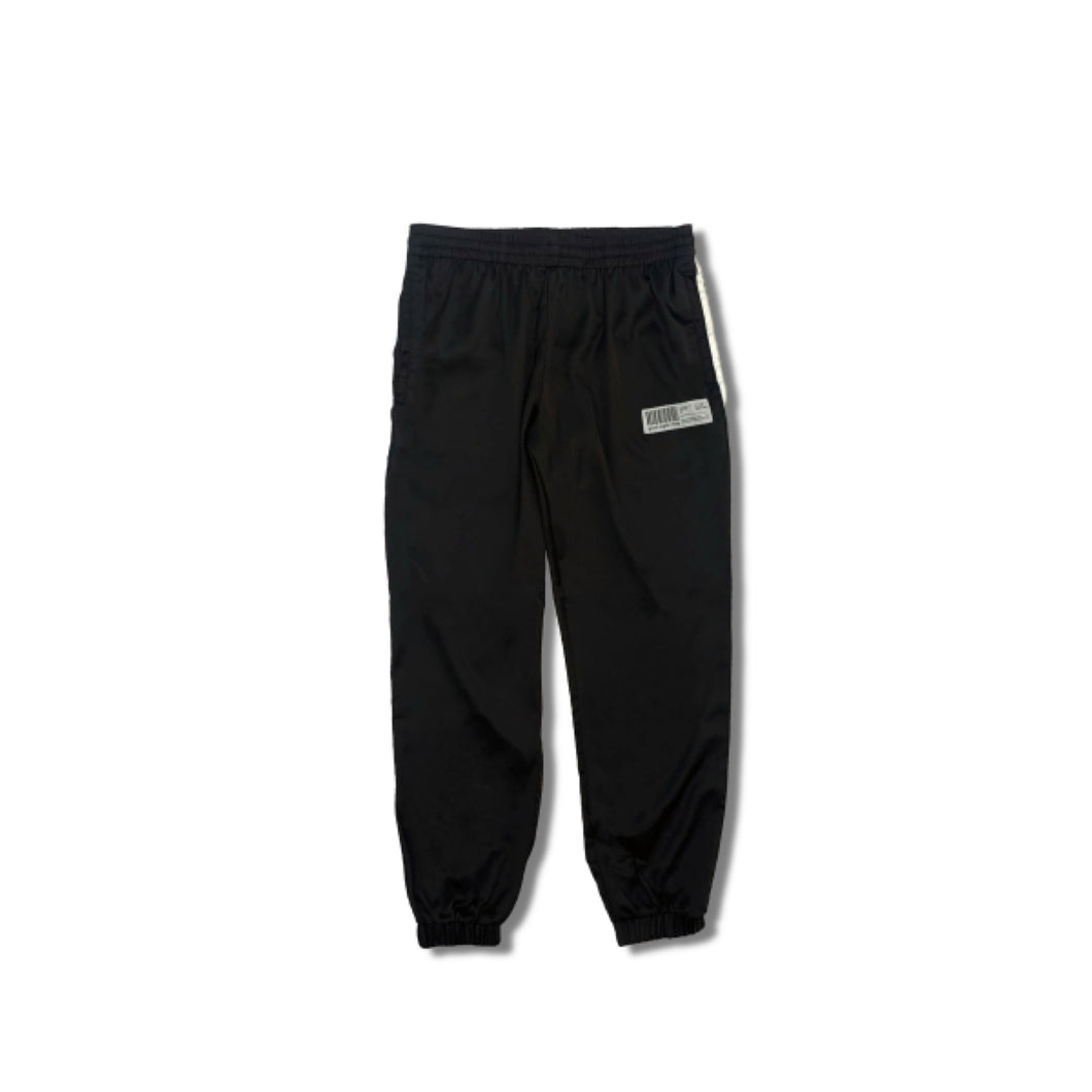 GN014 line pants black